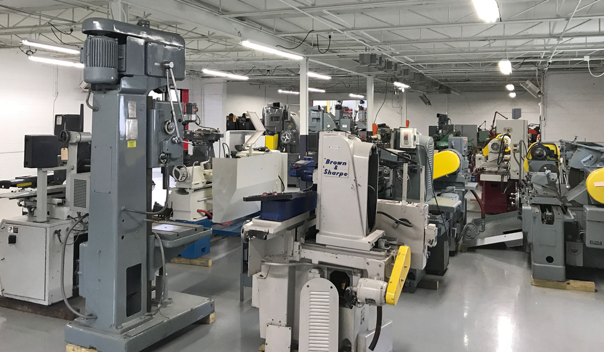 Expert Machine Repair and Sales facility interior